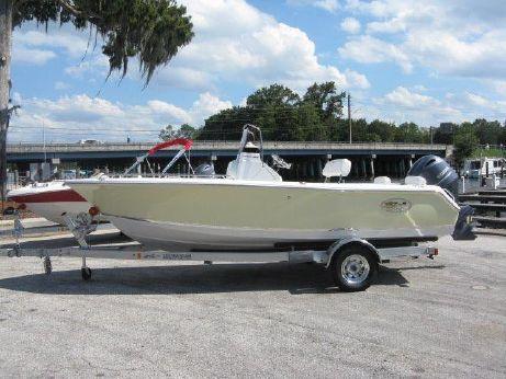 2017 Sea Hunt Triton 188