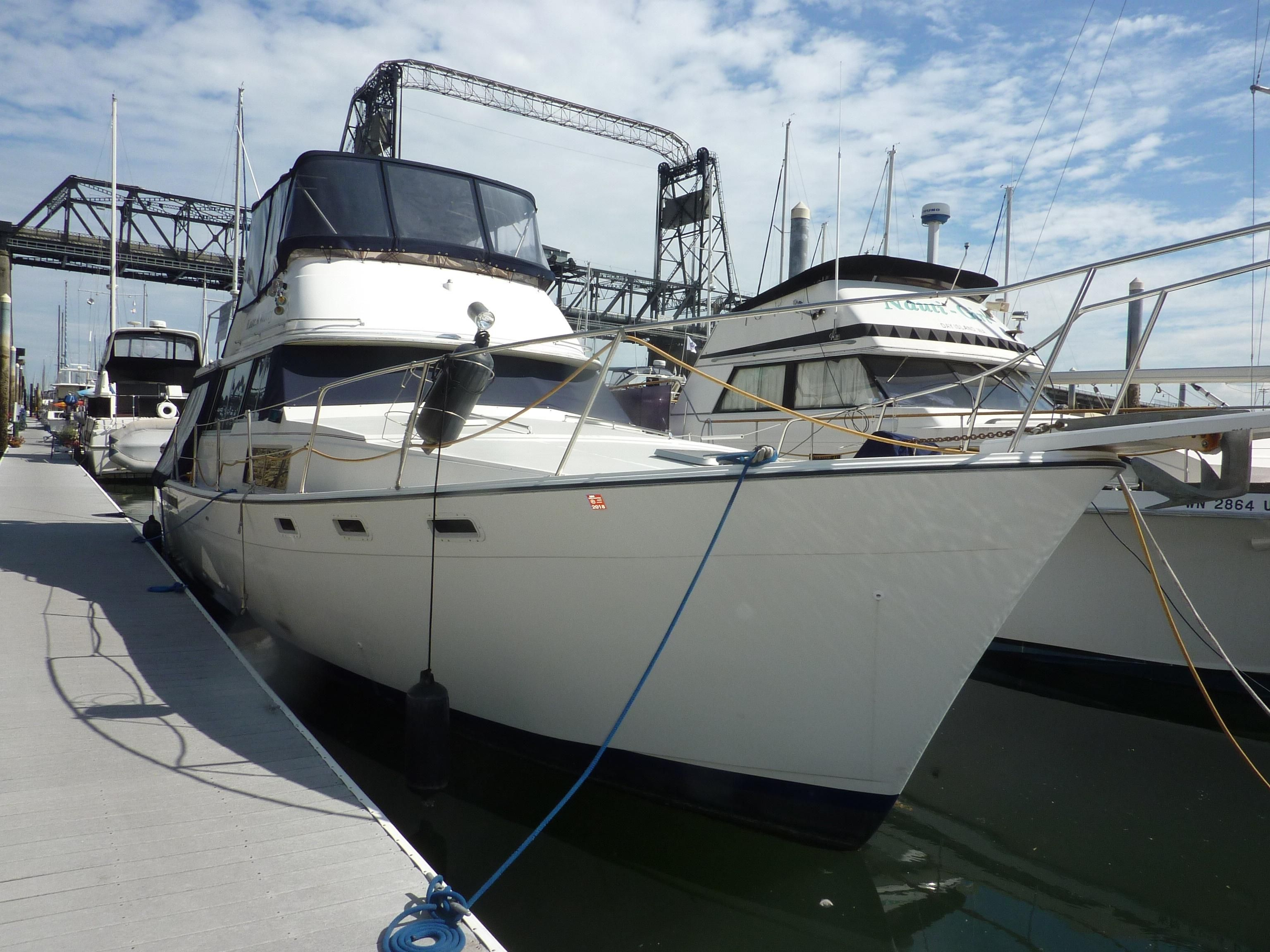 1983 bayliner 3870 motoryacht power boat for sale www for Sailboat outboard motor size calculator
