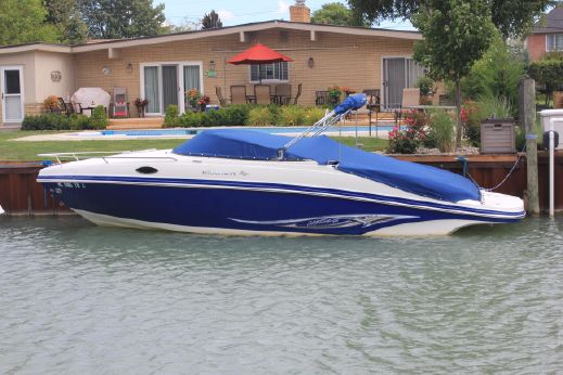 2008 Rinker 246 Captiva Cuddy