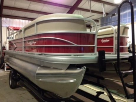 2016 Sun Tracker PARTY BARGE® 20 DLX