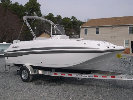 2017 Hurricane 19 CENTER CONSOLE