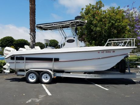 2005 Twin Vee 22 Center Console