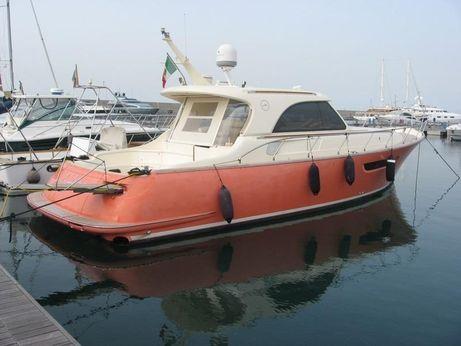 2006 Mochi 44 Dolphin
