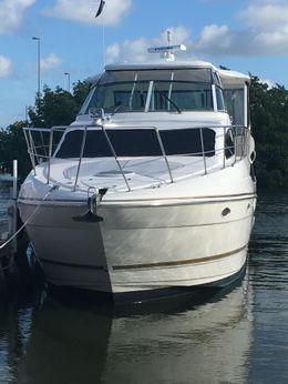 2005 Cruisers Motor Yacht