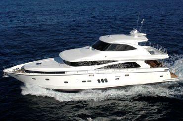 2020 Johnson 77 Motor Yacht Sky-Lounge