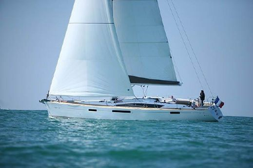 2010 Jeanneau 57 Sailing Yacht