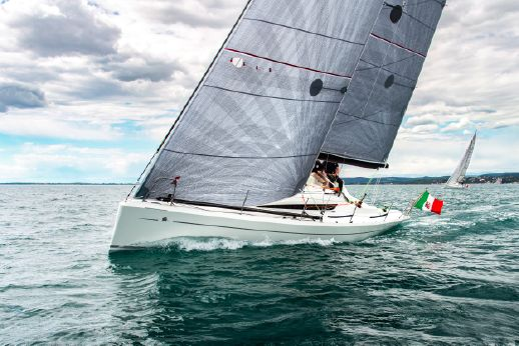 2015 Italia Yachts 9.98 Fuoriserie