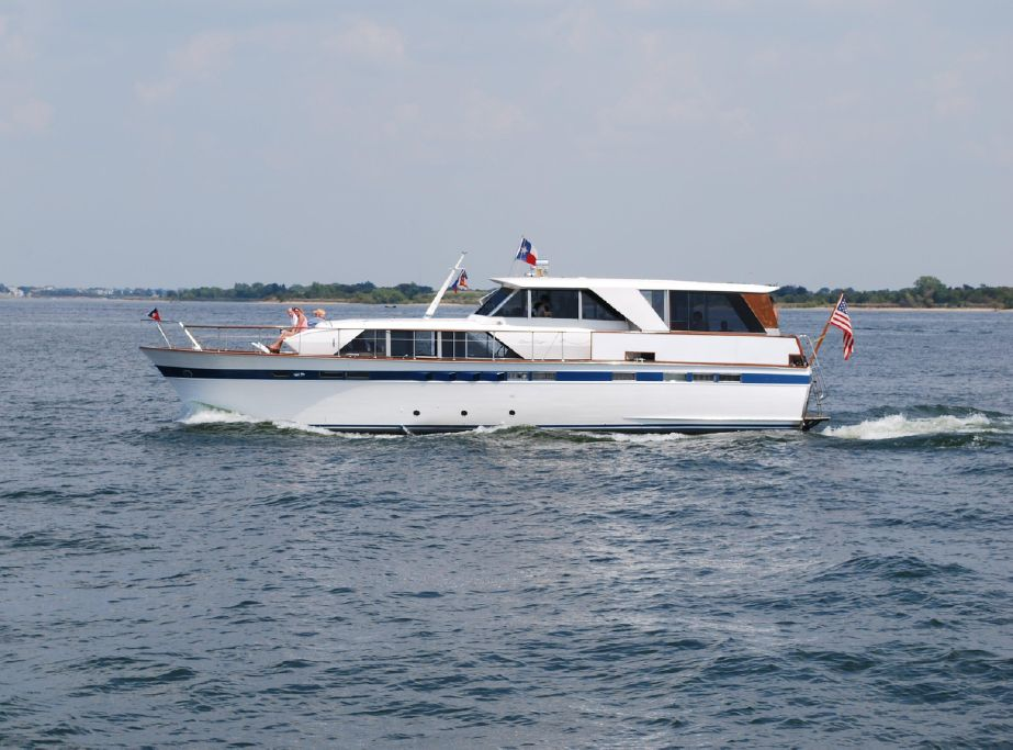 1969 Chris Craft 57 Constellation Motor Yacht For Sale