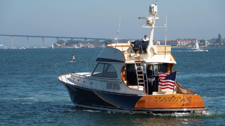 Hinckley Talaria 55 Flybridge Yacht for sale in San Diego