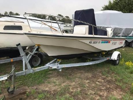1995 Boston Whaler Outrage 17