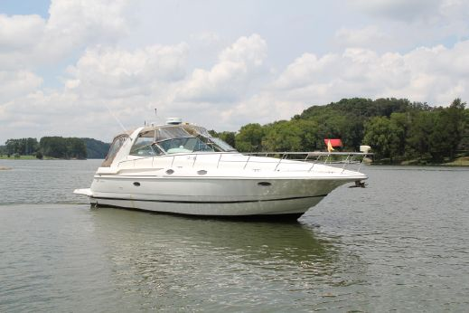 1998 Cruisers 3870 Express