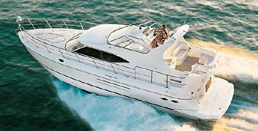 2002 Cruisers Yachts 4450 Express Motoryacht