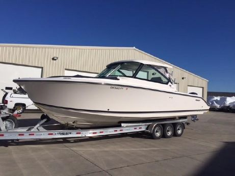 2017 Pursuit 325 Dual Console