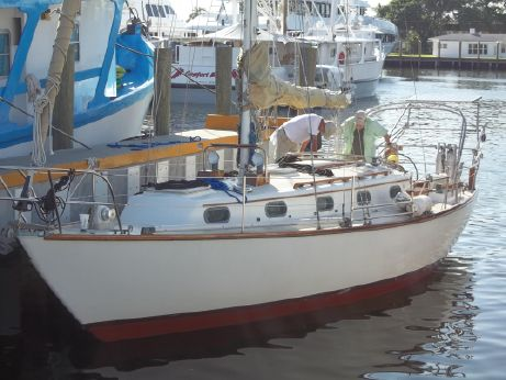 1982 Cape Dory CD33