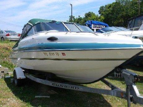 1997 Sunbird 200 Coral Cuddy