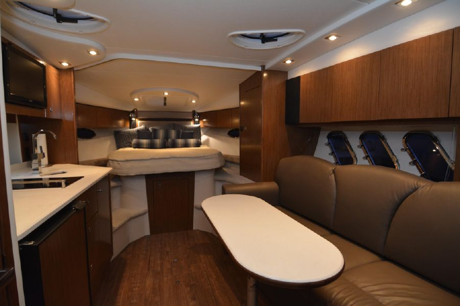 photo of 35' Cruisers Yachts 350 Express