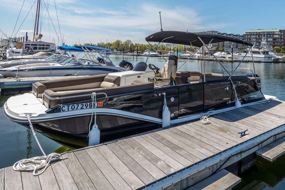 2018 Bayliner Element XR7 Power Boat For Sale - www