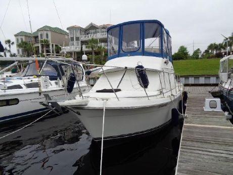 1986 Carver Yachts 28 Sedan Bridge