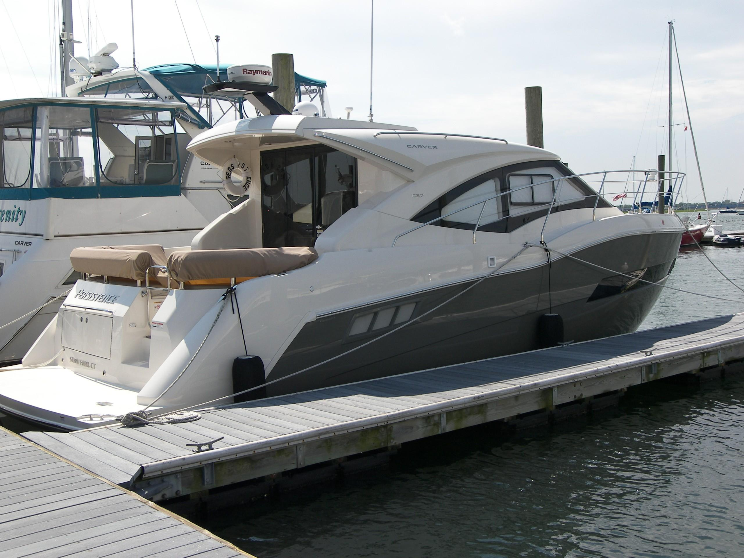 2015 carver c37 power boat for sale www yachtworld com rh yachtworld com Carver 34 39 Foot Carver Boat