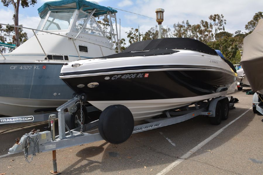 photo of Rinker Captiva 246 BR