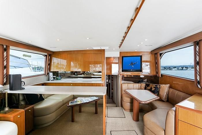 Viking Yachts 55 Convertible Salon