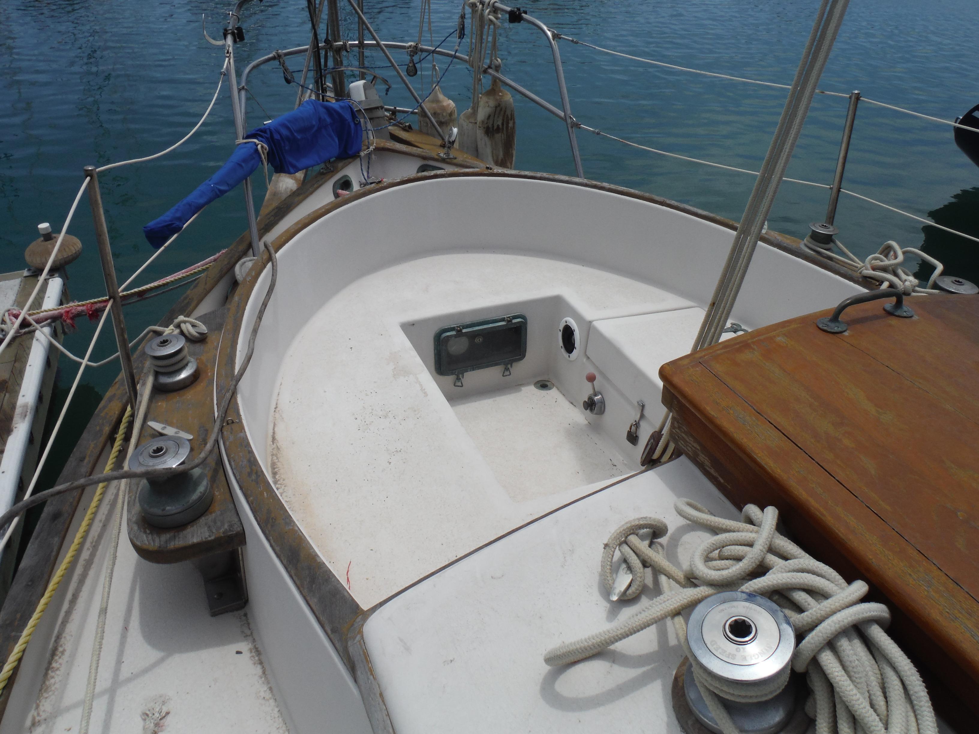 34' Noon Ocean 34 Cutter+Photo 12
