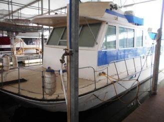 1977 Burns Craft Houseboat