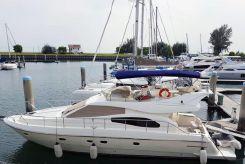 2002 Ferretti Yachts 48