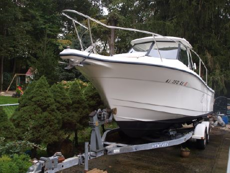 1997 Bayliner TROPHY 2352