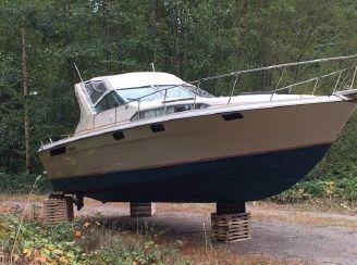 1981 Bayliner 3150 Conquest