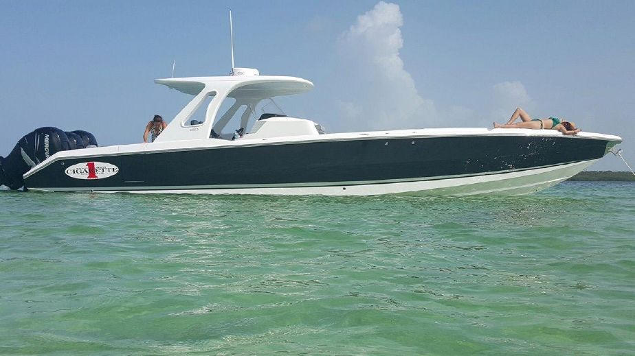 2015 Cigarette Racing 39 Gts Power Boat For Sale Www Yachtworld Com