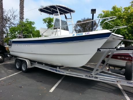 1996 Glacier Bay 220 Center Console