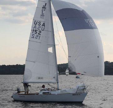 1983 J Boats 22