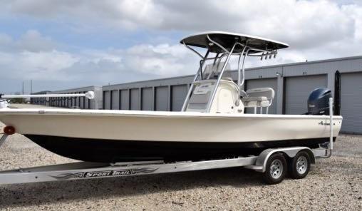 2017 Avenger AV-26 Bay Boat/w trailer