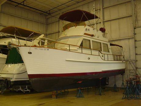 1984 Island Gypsy 32 Sedan Trawler