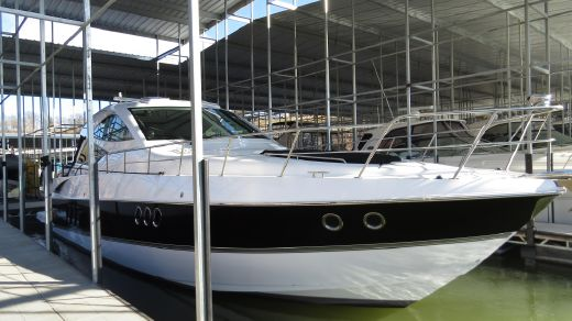 2014 Cruisers Yachts 540 Sports Coupe