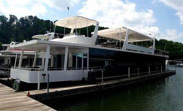 2012 Thoroughbred 21 x 103 Showboat