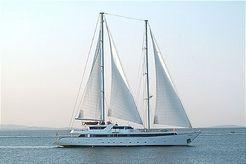 2004 Motor Sailing Yacht