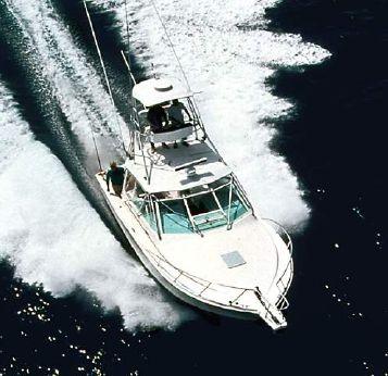 2000 Cabo Yachts 31 Express