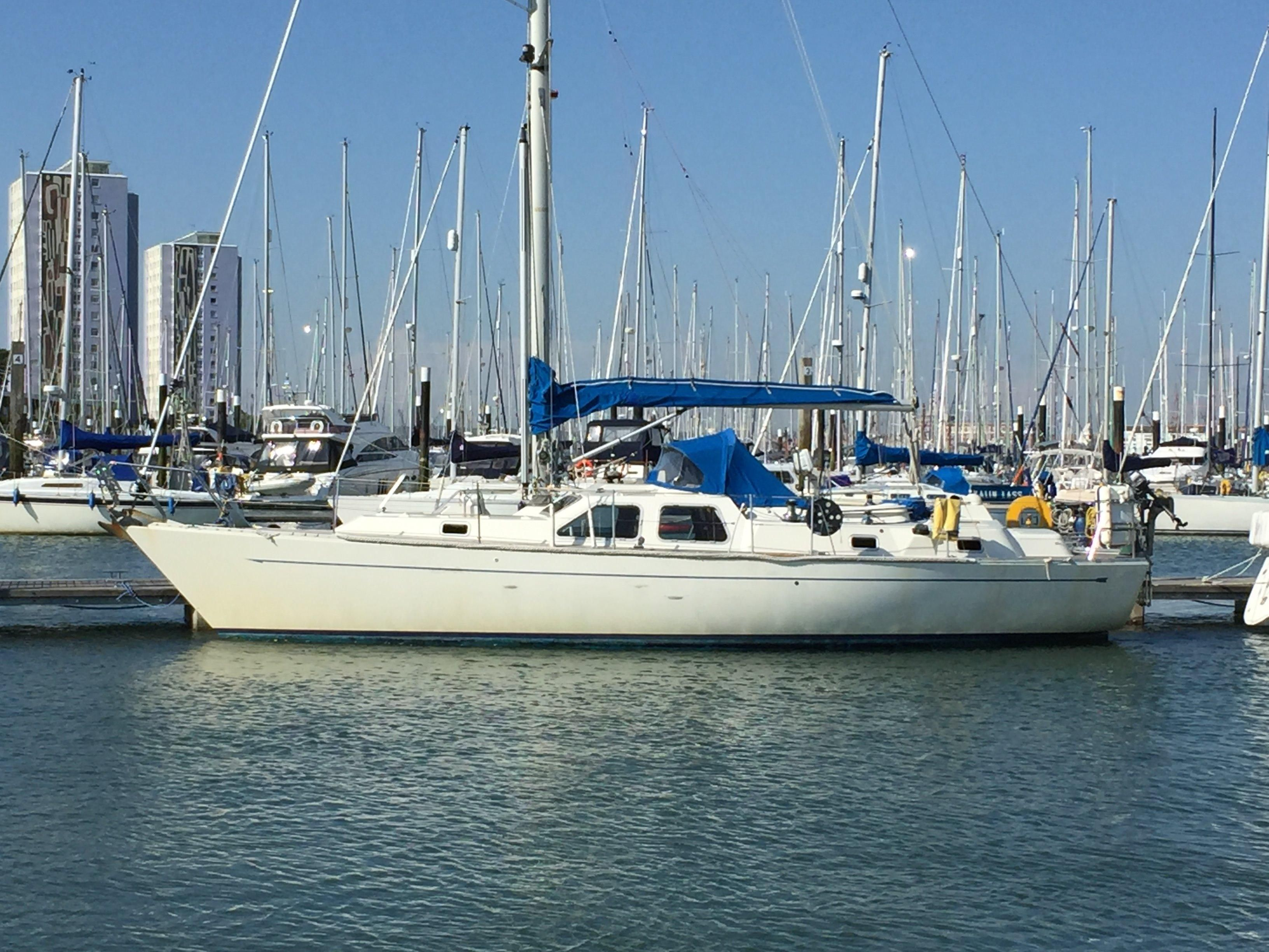 Gosport United Kingdom  City new picture : 1988 Oyster 406 Deck Saloon Sail Boat For Sale www.yachtworld.com