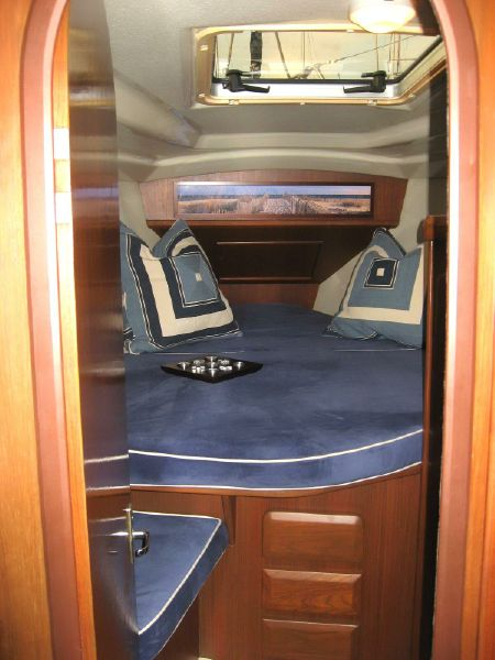 photo of 43' Hunter Legend 43