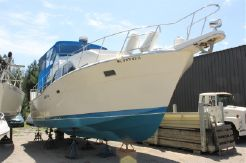 1987 Chris Craft 35 Double Cabin