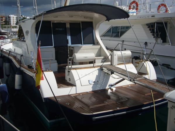 Premier Yachts 51 Hard Top Lobster Type Motor. 3 cabins and crew cabin, ...