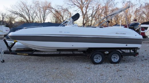 2017 Hurricane 231 Center Console