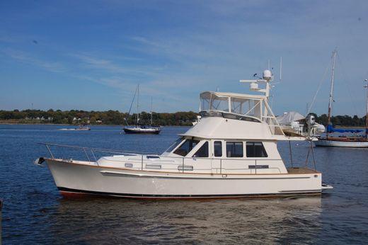 2008 Legacy Yachts Sedan  Bridge Twin Eng, Ext HT