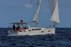 2016 Beneteau Oceanis 38