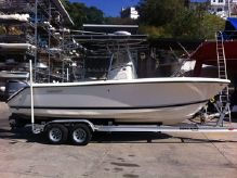 2014 Pursuit C 230 Center Console