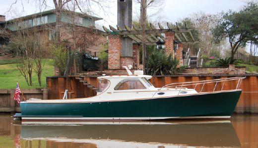 2001 Hinckley 36 Picnic Boat Classic