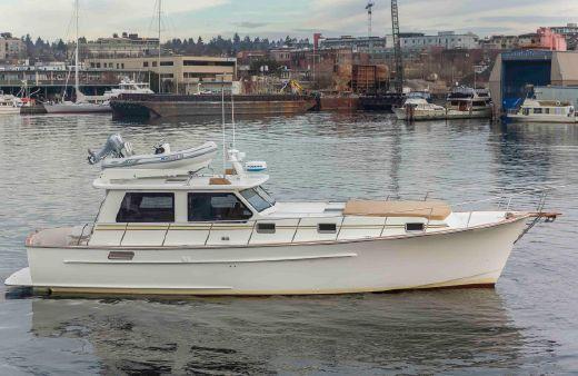 2004 West Coast Custom Yachts Sedan Express