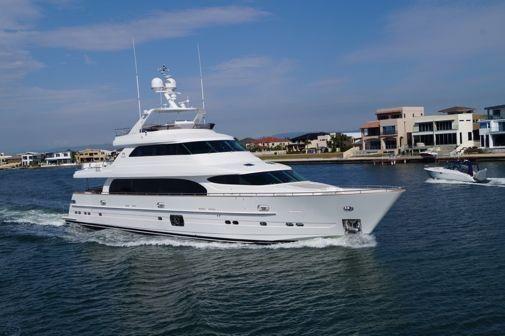 2012 Horizon Yachts P110